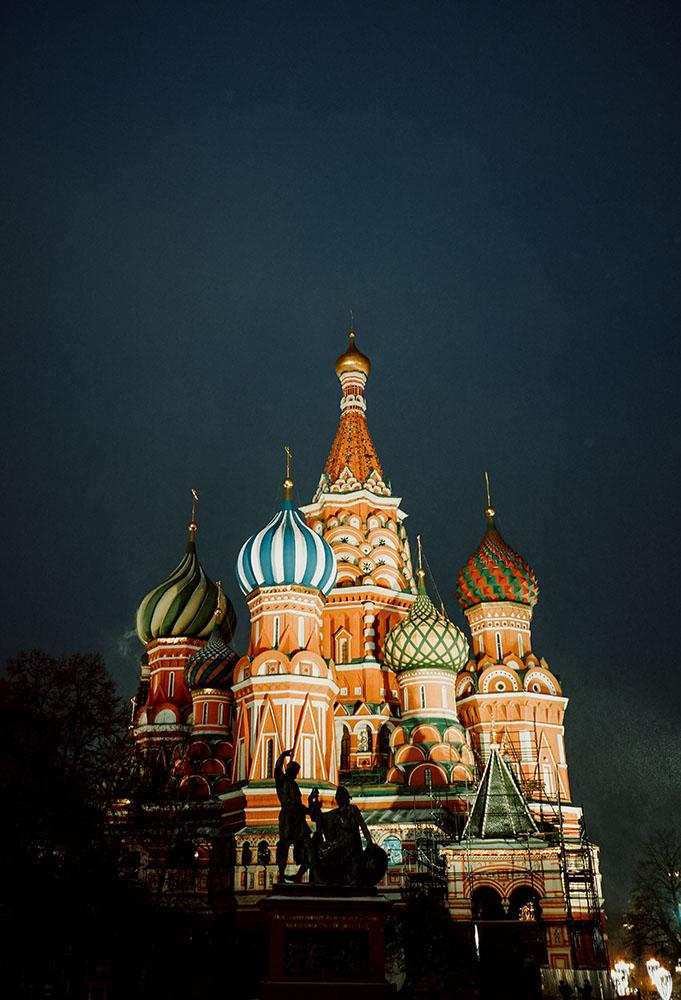 love in Moscow blog article diario wedding videographer Kremlin